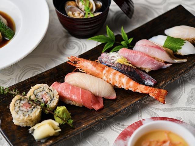 職人の手で握られる寿司コース