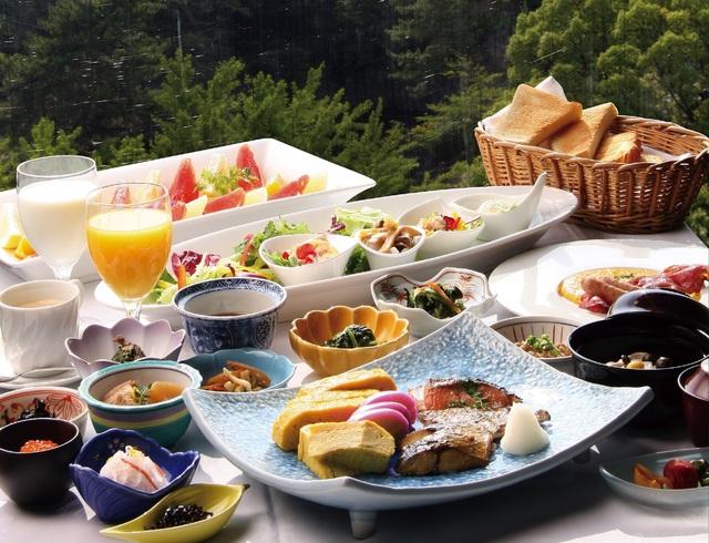 日替わり和洋料理バイキング朝食です